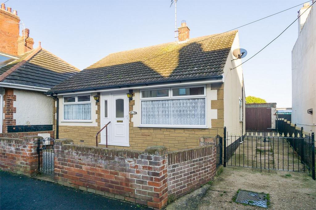 2 Bedrooms Detached Bungalow for sale in Hubert Street, WITHERNSEA, East Riding of Yorkshire