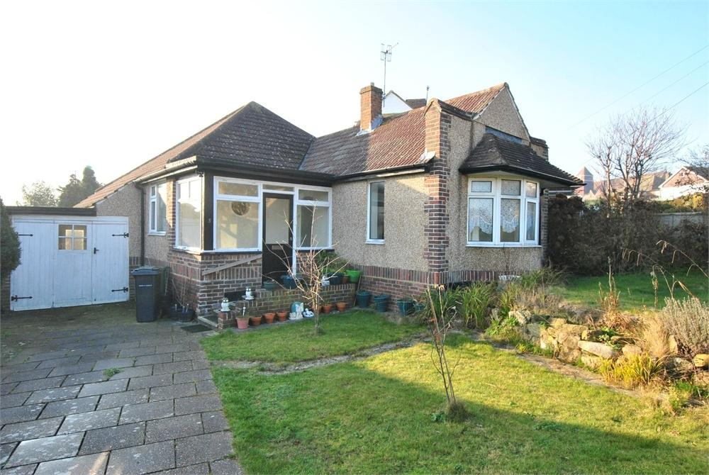 2 Bedrooms Detached Bungalow for sale in Glassenbury Drive, BEXHILL-ON-SEA, East Sussex
