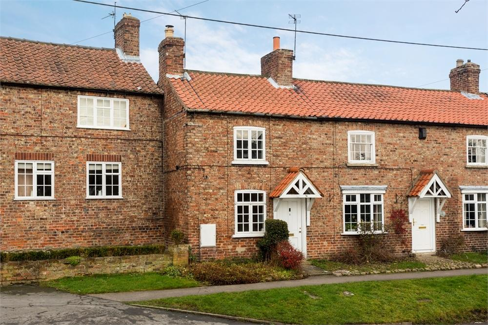 2 Bedrooms Cottage House for sale in Glebe Cottages, Church End, Sheriff Hutton, York
