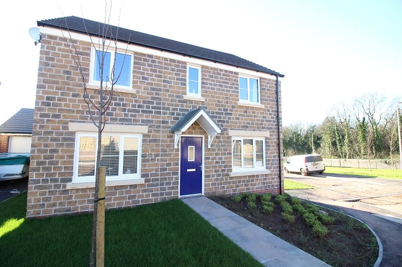 3 Bedrooms Detached House for sale in Buttermilk Close, Pembroke, Pembrokeshire. SA71 4TN