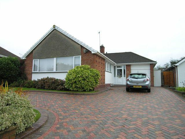 3 Bedrooms Detached Bungalow for sale in Norman Road,Walsall,West Midlands