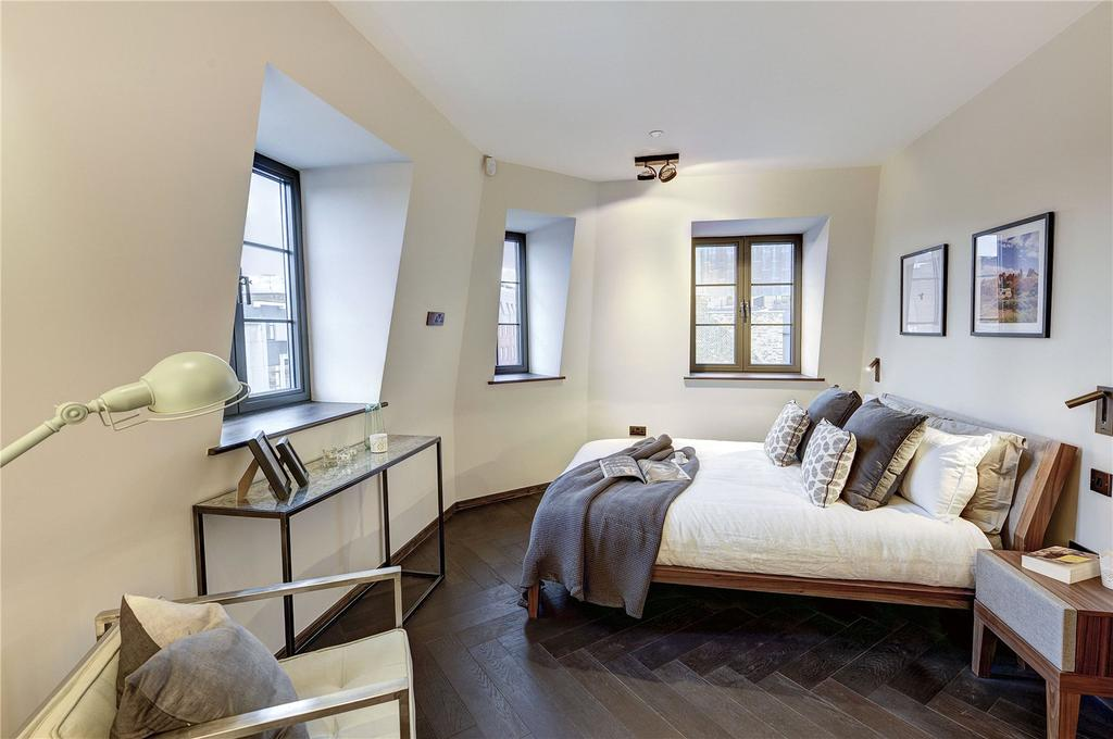 2 Bedrooms Apartment Flat for sale in Poland Street, Soho, W1F