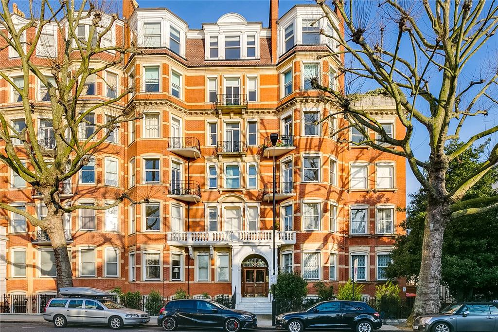 1 Bedroom Flat for sale in Marloes Road, Kensington, London