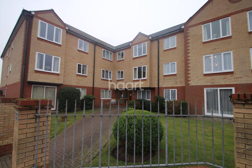 1 Bedroom Flat for sale in Cranmere Court
