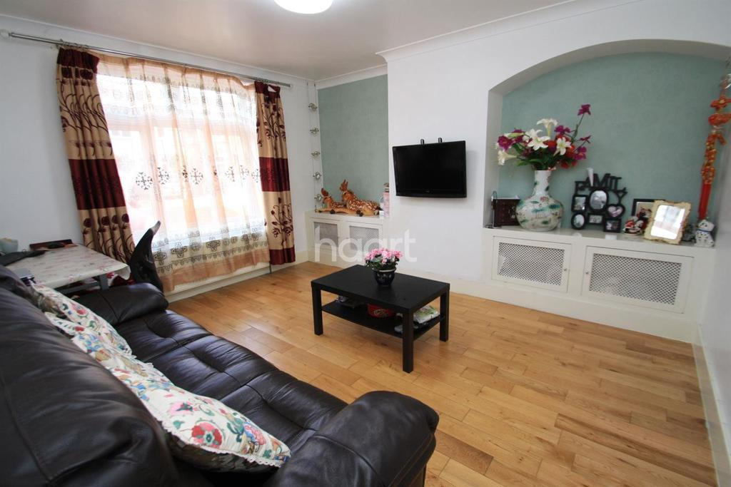 1 Bedroom Flat for sale in Rogers Road