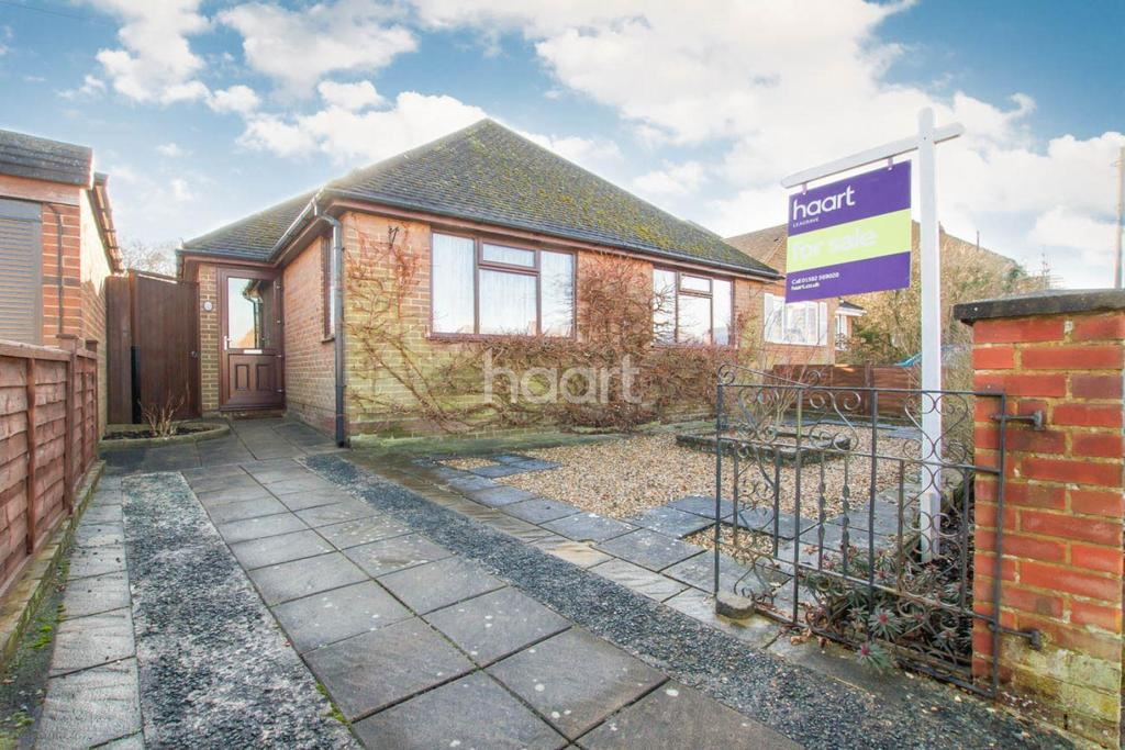 3 Bedrooms Bungalow for sale in Finsbury Road