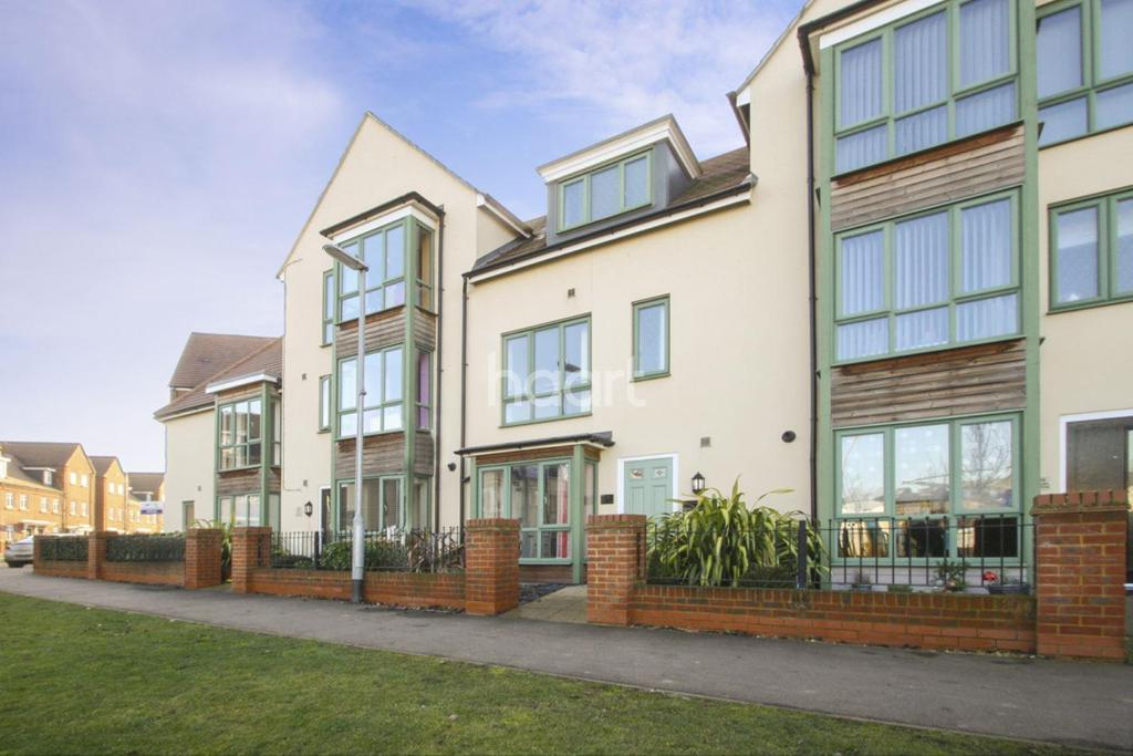 4 Bedrooms Terraced House for sale in Gold Furlong, Marston Moretaine, MK43