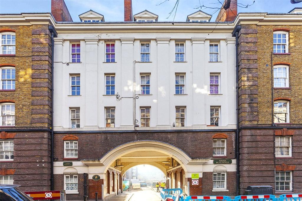 1 Bedroom Flat for sale in Nigel Building, Bourne Estate, London, EC1N