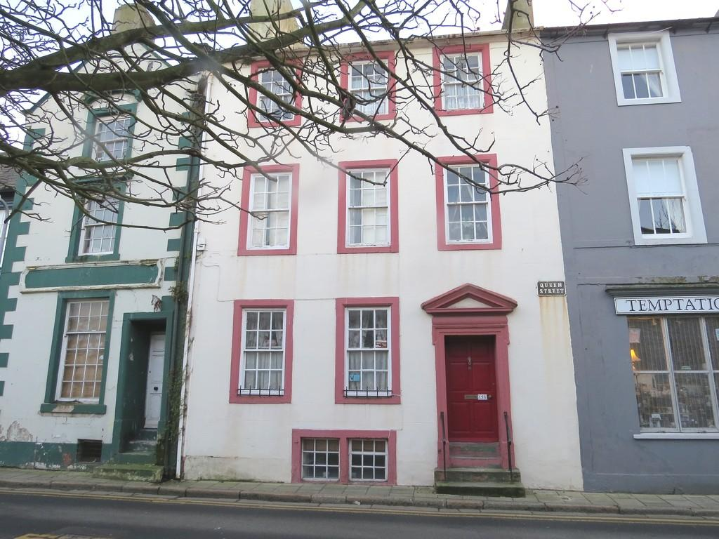 4 Bedrooms Terraced House for sale in Queen Street, Whitehaven, Cumbria
