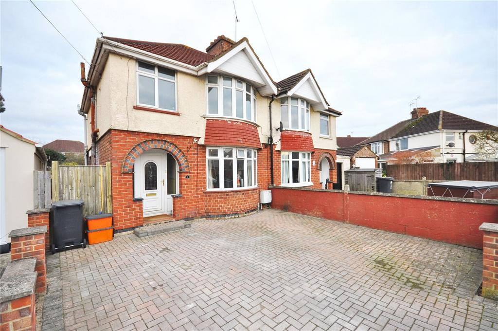 3 Bedrooms Semi Detached House for sale in Copse Avenue, Swindon, Wiltshire, SN1