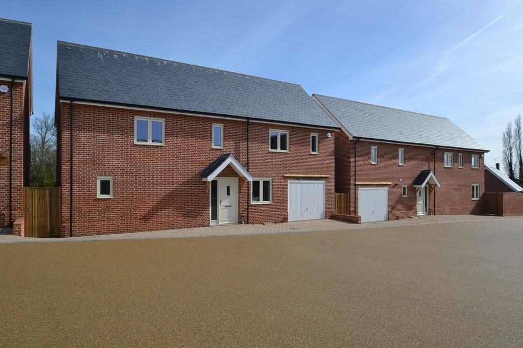4 Bedrooms Detached House for sale in Wycke Court