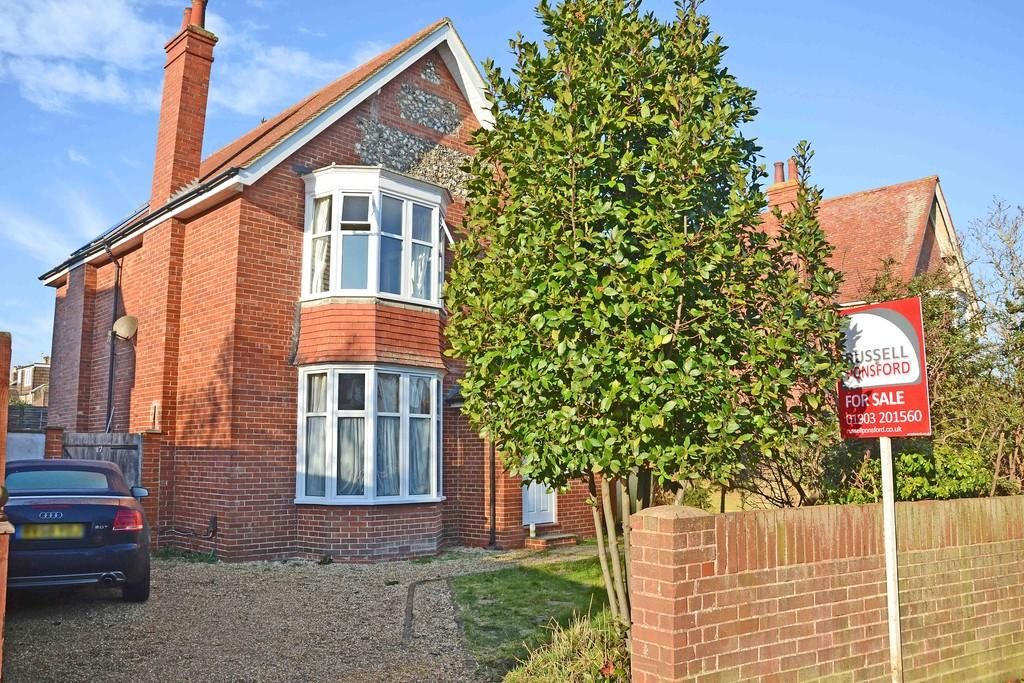 3 Bedrooms Detached House for sale in Ladydell Road, Worthing
