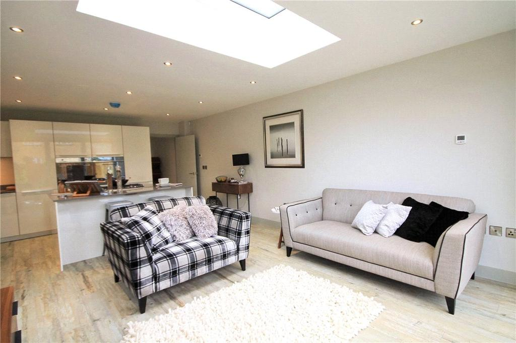 4 Bedrooms Semi Detached House for sale in Vineyard Place, Cambridge, Cambridgeshire, CB1