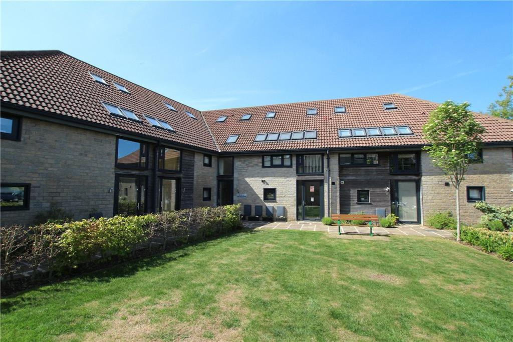 2 Bedrooms Apartment Flat for sale in Home Barns, High Street, Marshfield, Chippenham, SN14