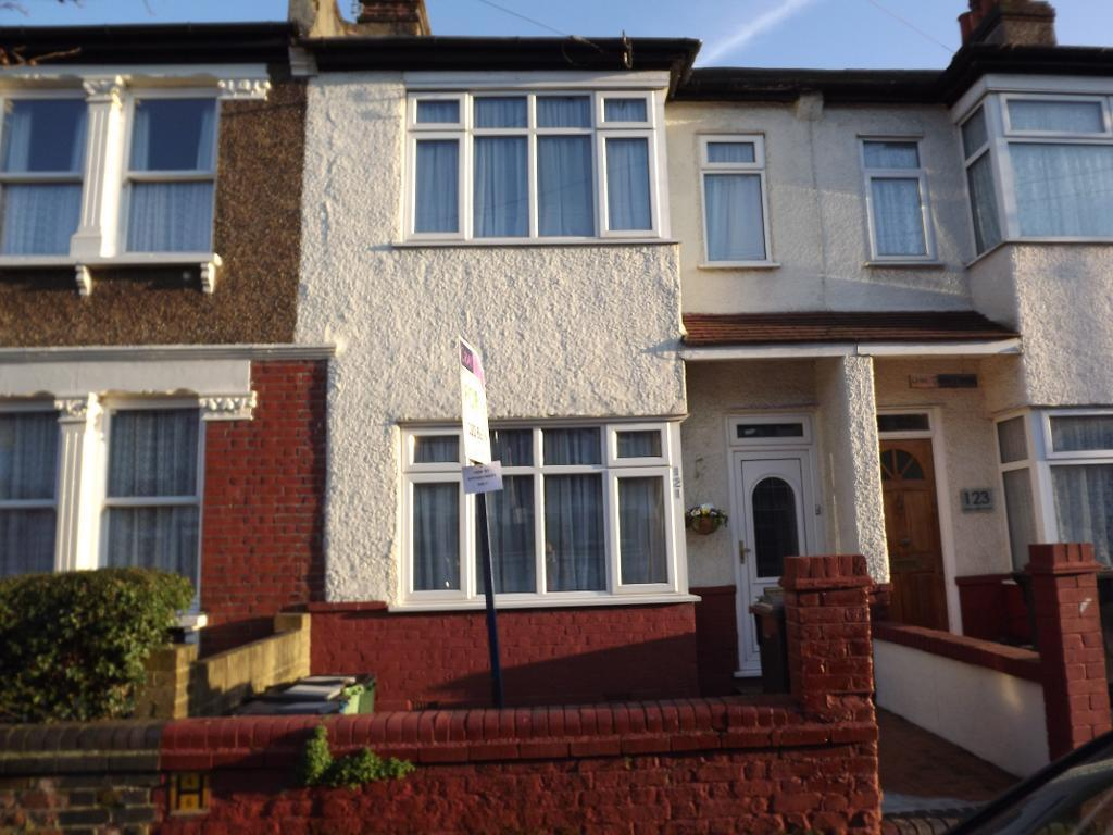 3 Bedrooms Terraced House for sale in Dalmally Road, Addiscombe, Croydon, Surrey, CR0 6LY