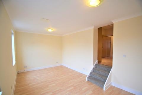 2 bedroom flat - Chiswick High Road, Chiswick