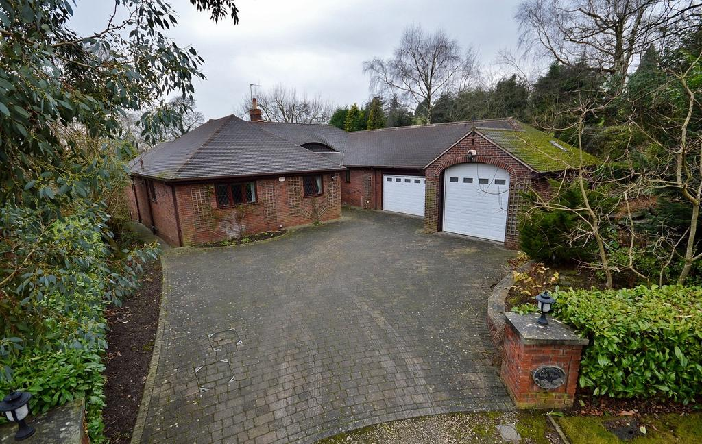 4 Bedrooms Detached Bungalow for sale in Legh Road, Disley