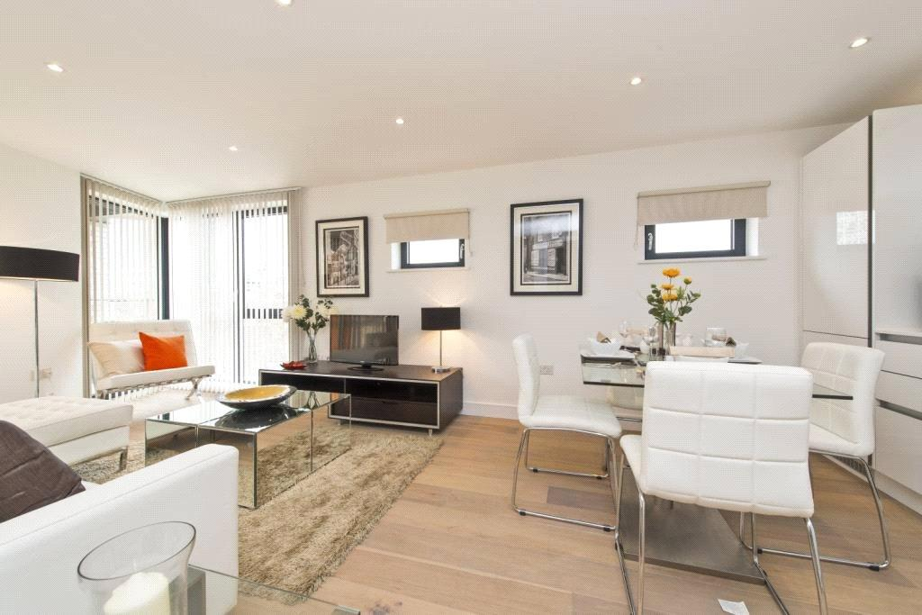 3 Bedrooms Flat for sale in Sloane Apartments, 54 Old Castle Street, London, E1