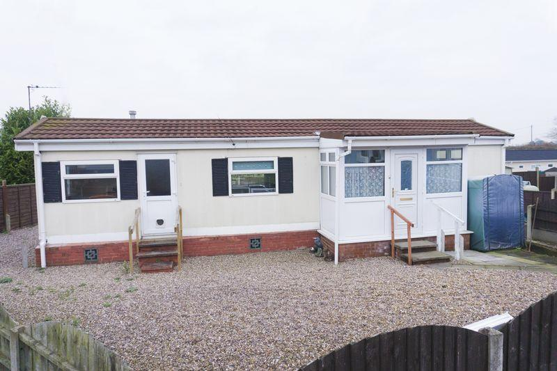 1 Bedroom Detached Bungalow for sale in Lichfield Road, Brownhills, Walsall