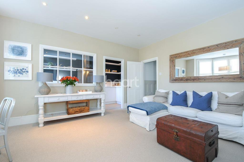 2 Bedrooms Flat for sale in Raleigh Gardens, Brixton, SW2