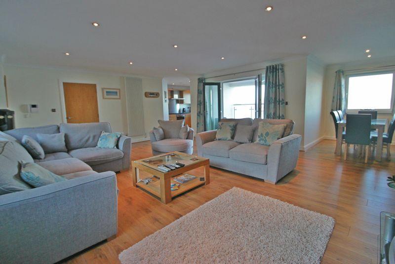 3 Bedrooms Apartment Flat for sale in Caernarfon, Gwynedd