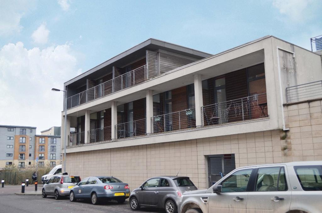2 Bedrooms Flat for sale in Muirhouse Street, Pollokshields, Glasgow, Glasgow, G41 1QD