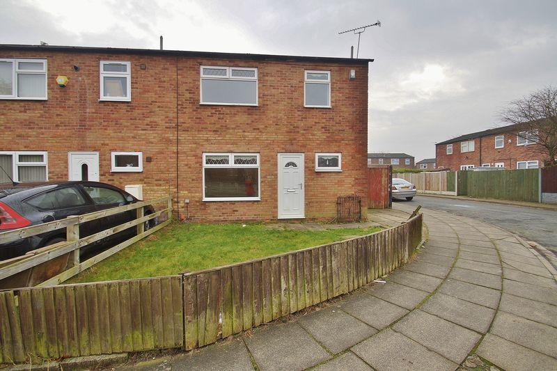 3 Bedrooms Semi Detached House for sale in Loxley Road, Southport