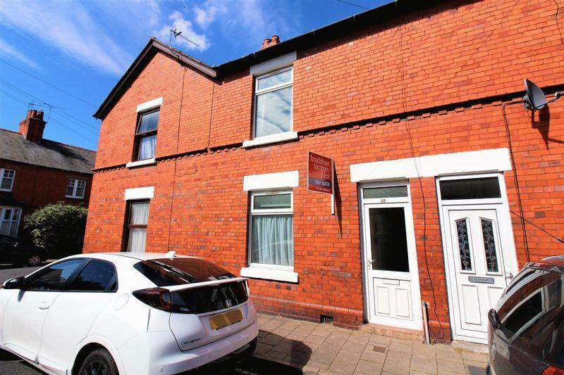 3 Bedrooms Terraced House for sale in Churton Road, Boughton, Chester