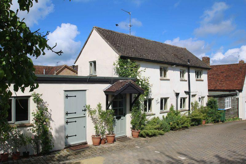 3 Bedrooms Detached House for sale in Long Crendon, Buckinghamshire