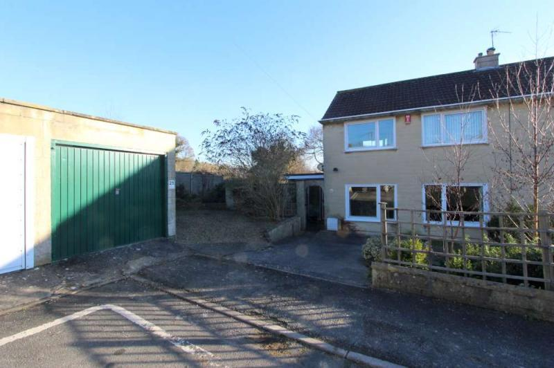4 Bedrooms Semi Detached House for sale in Weston