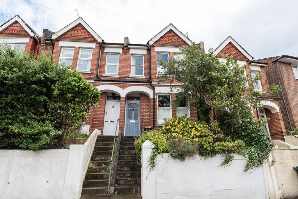 2 Bedrooms Terraced House for sale in Queens Park Road, Brighton, BN2