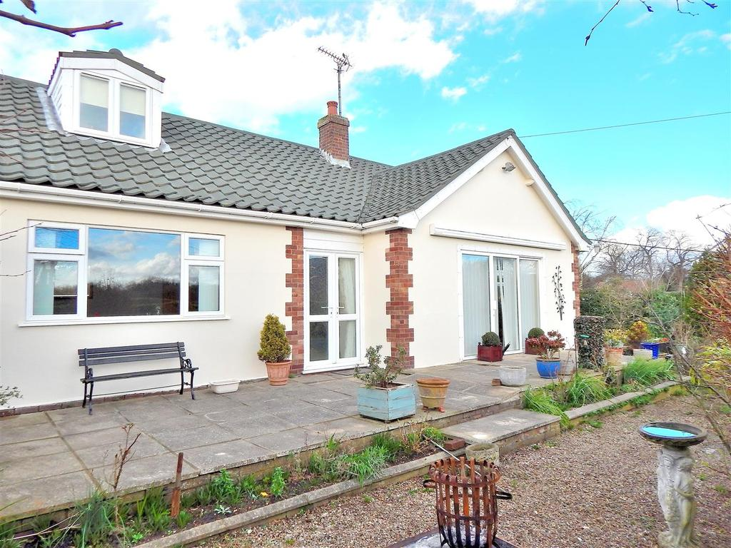 3 Bedrooms Detached Bungalow for sale in Heacham Road, Sedgeford, Hunstanton