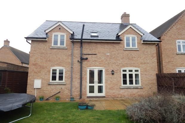 4 Bedrooms Detached House for sale in Hive End Court, Chatteris, PE16