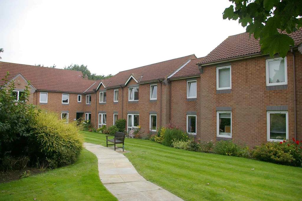 1 Bedroom Flat for sale in Haldenby Court, Swanland