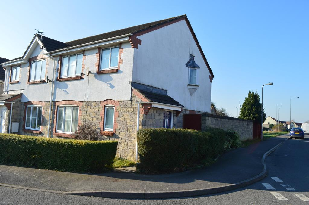 3 Bedrooms Semi Detached House for sale in Heol Y Fro, Llantwit Major CF61