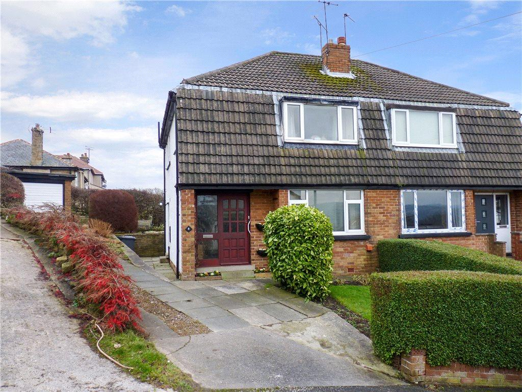 3 Bedrooms Semi Detached House for sale in Carr Grove, Riddlesden, Keighley, West Yorkshire