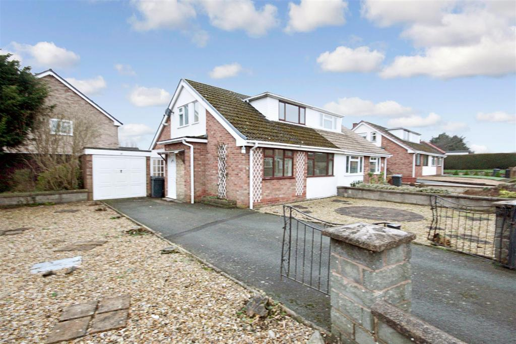 3 Bedrooms Semi Detached Bungalow for sale in Cabin Lane, Oswestry