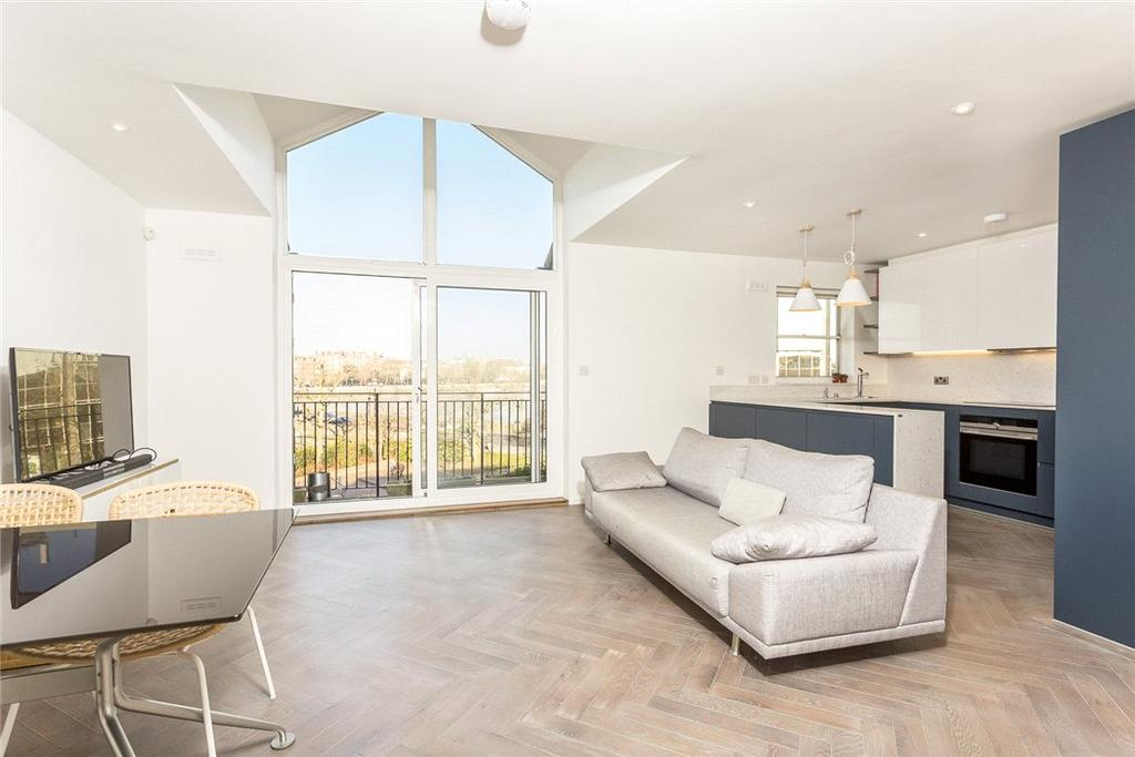 2 Bedrooms Flat for sale in Paveley Drive, Battersea, London, SW11