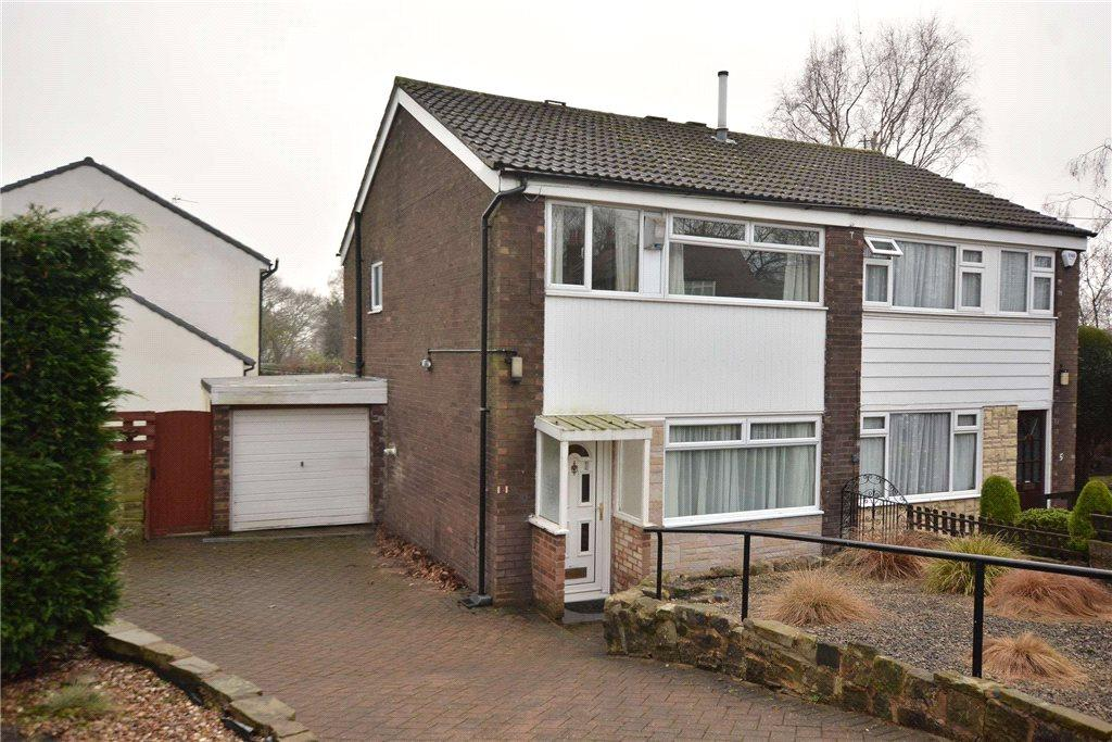 3 Bedrooms Semi Detached House for sale in Dean Avenue, Roundhay, Leeds