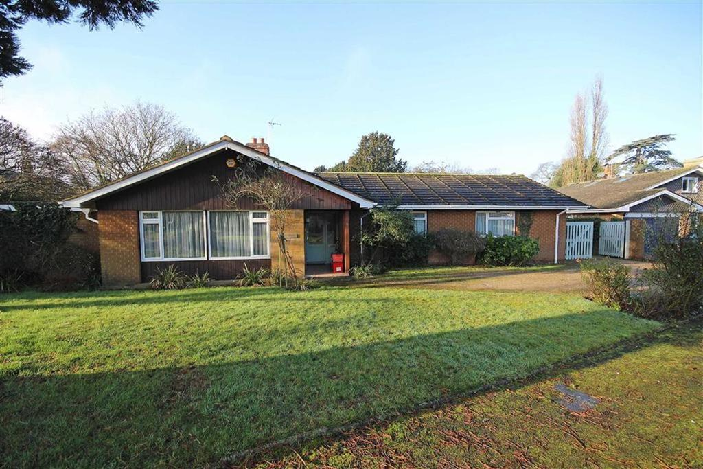 3 Bedrooms Detached Bungalow for sale in Church Lane, Barford, Warwick, CV35