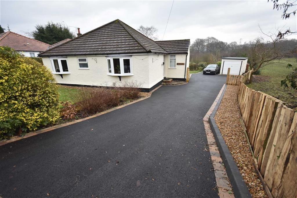 3 Bedrooms Detached Bungalow for sale in MIDDLEWOOD ROAD, POYNTON, Cheshire