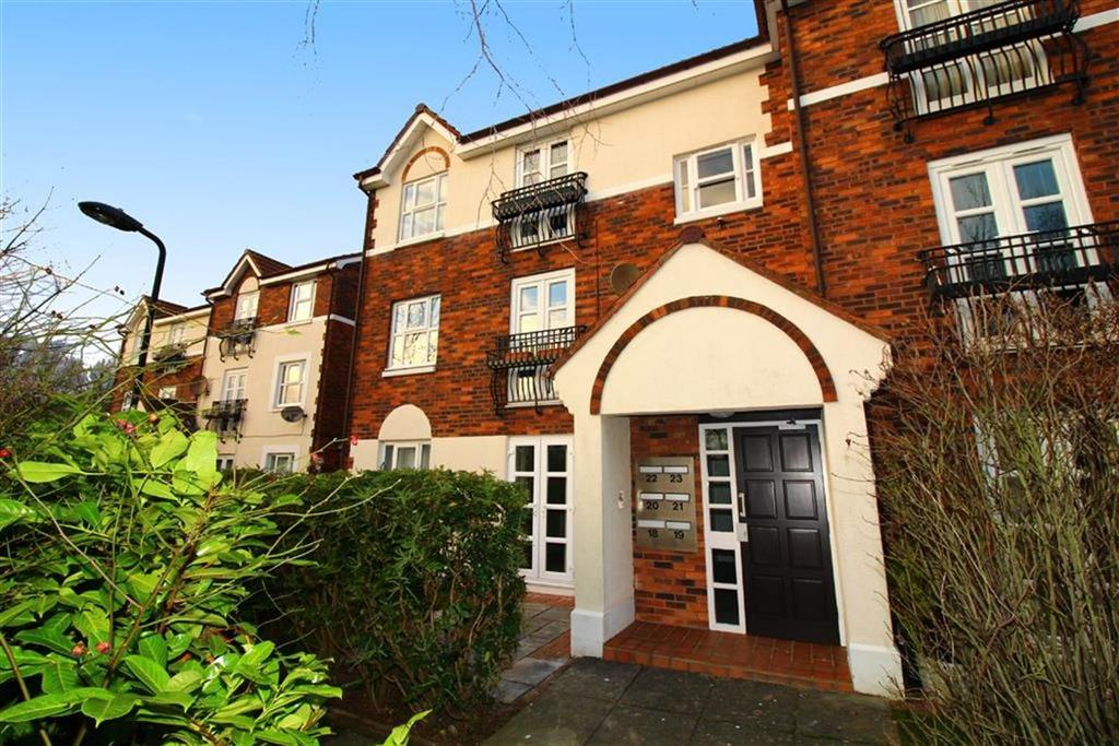 2 Bedrooms Flat for sale in Chathill Close, Whitley Bay
