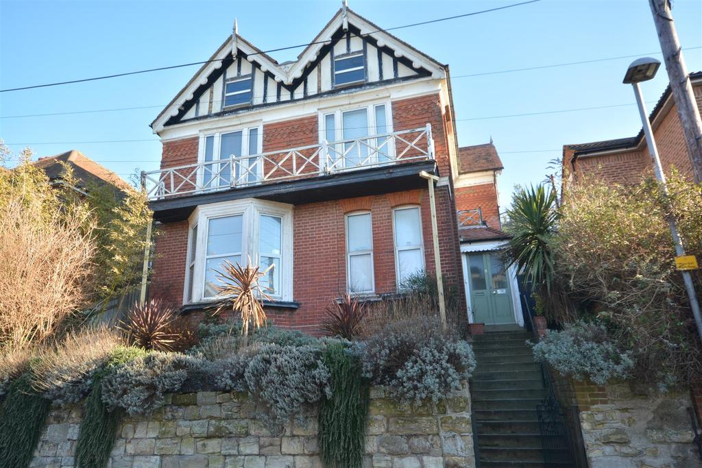 4 Bedrooms Detached House for sale in Milward Road, Hastings