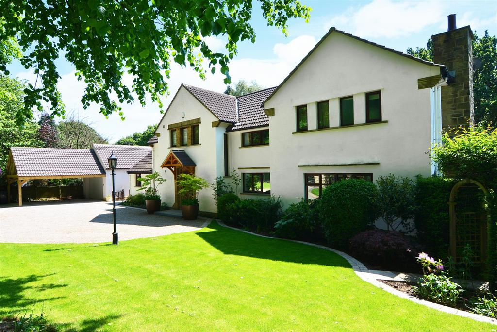 5 Bedrooms Detached House for sale in Clara Drive, Calverley