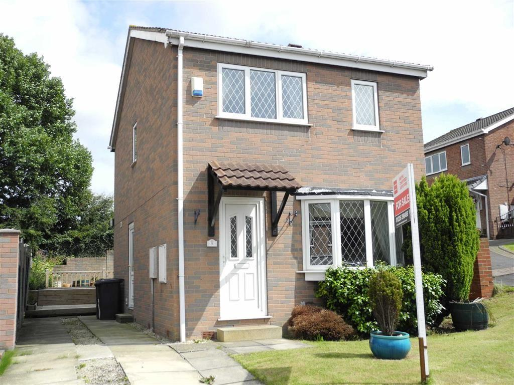 3 Bedrooms Detached House for sale in Pennine Close, Darton, Barnsley, S75