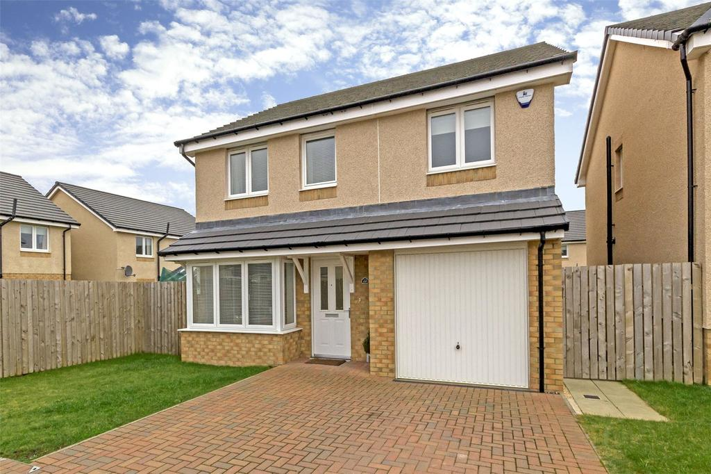4 Bedrooms Detached House for sale in 22 Russell Crescent, Bathgate, West Lothian, EH48