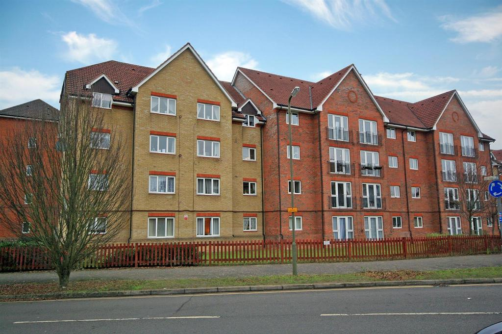 2 Bedrooms Apartment Flat for sale in Shared ownership! Dixons Court, Ware