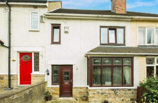 3 Bedrooms Terraced House for sale in THE ORCHARD, OSSETT, WF5 8PP