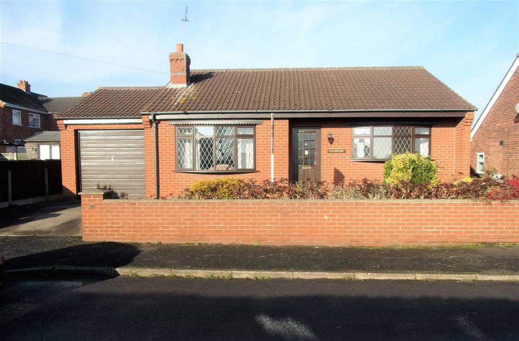 2 Bedrooms Bungalow for sale in YARBOROUGH CRESCENT, BROUGHTON, BRIGG