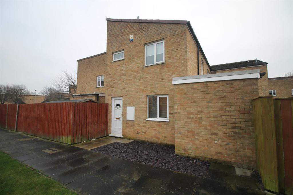 3 Bedrooms Terraced House for sale in Woodford Walk, Thornaby, Stockton-On-Tees